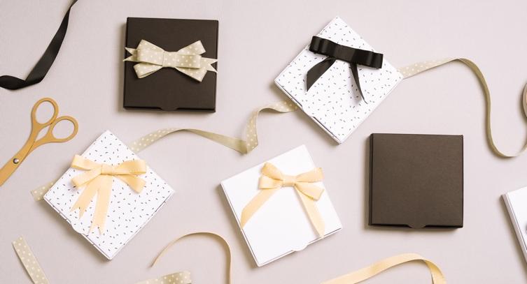 952e5d9adb89 Cómo hacer lazos para tus regalos - Selfpackaging Blog
